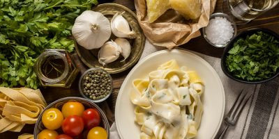 Fettuccine Alfredo and other Italian ingredients